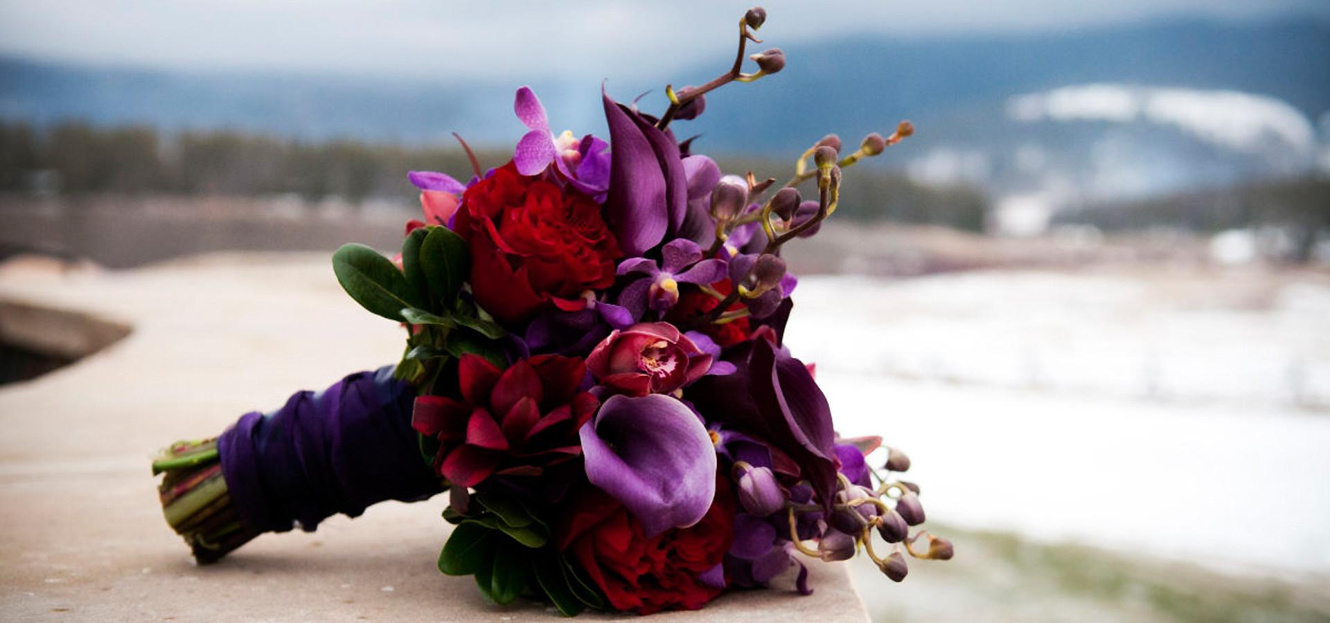 Правила свадьбы в бордовом цвете